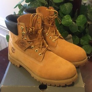 Timberland boots men's size 11 mint look new